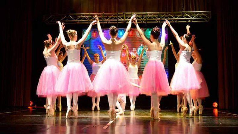 Chicas neuquinas se preparan para el Mundial de Danza