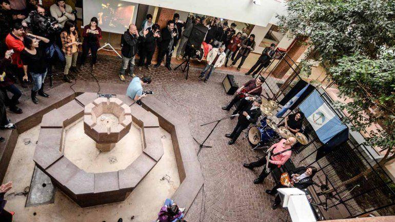 La Moto tocó en vivo en el Concejo Deliberante de Neuquén.