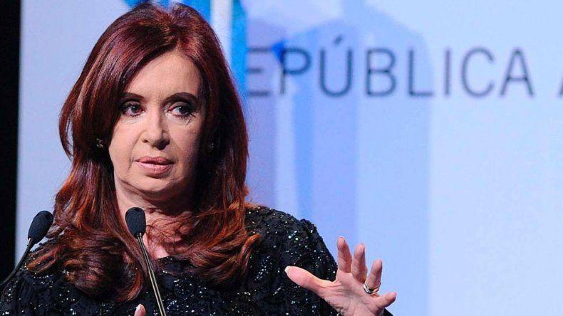 La ex presidenta apuntó al Partido Judicial y afirma que es víctima de una venganza armada por el Gobierno.