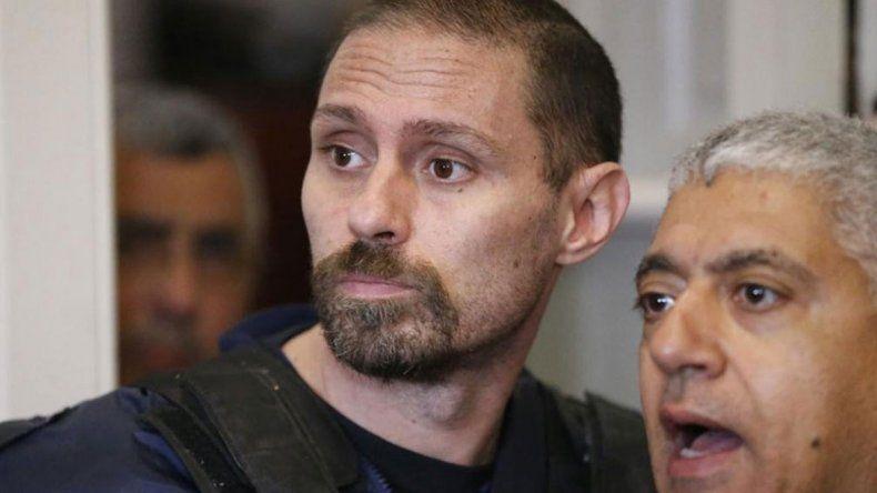 Está detenido en Paraguay por falsificación de documentos.