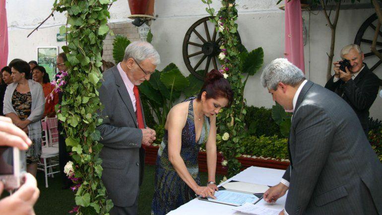 En Neuquén están de moda los casamientos delivery