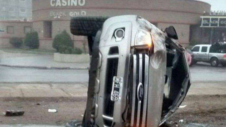 Seis heridos tras un choque y un vuelco en la Ruta 22