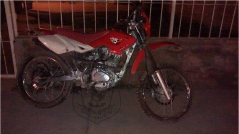 Lo agarraron cuando se paseaba con una moto robada