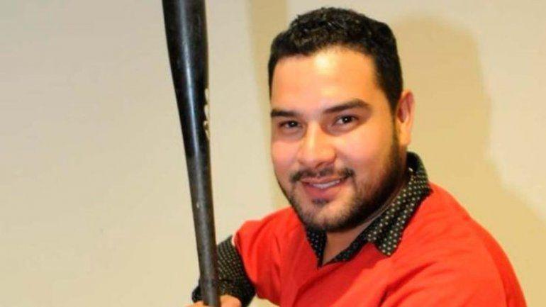 Alan Ramírez iba en una camioneta y recibió el tiro a la altura del cuello.