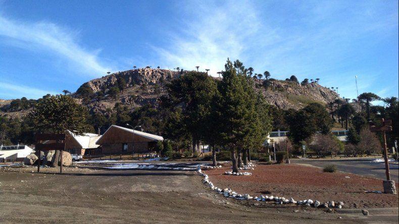 Cerro Caviahue sin nieve al 3 de julio de 2016.