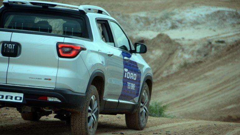 El nueva Fiat Toro fue presentada en la barda.
