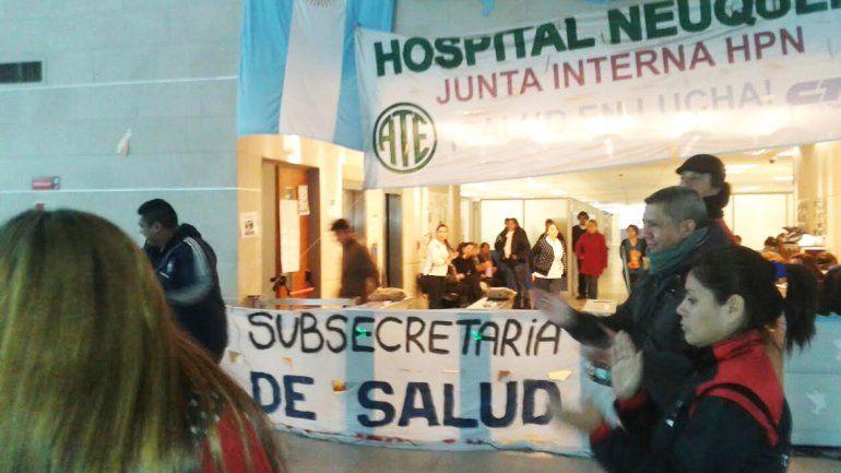 Sigue la protesta de trabajadores de Salud en el CAM