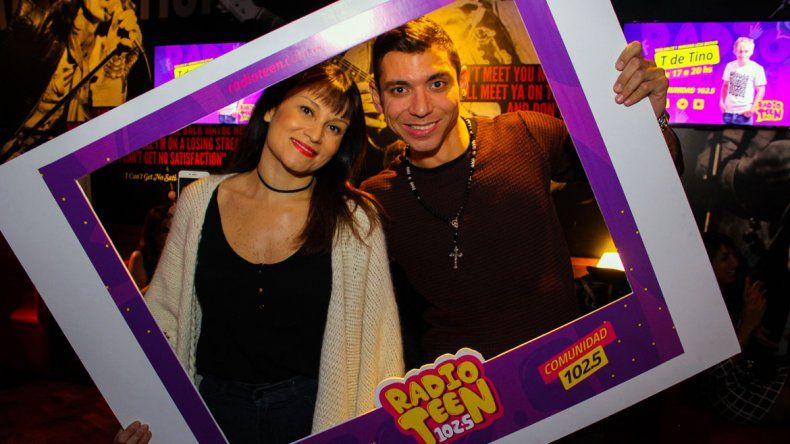 Radio Teen 102.5 tuvo su fiesta con los oyentes en Johnny B. Good