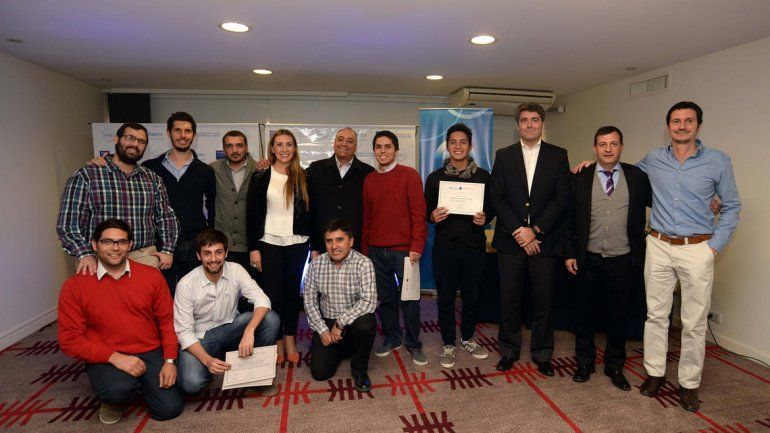 Los representantes de los proyectos seleccionados y los organizadores.