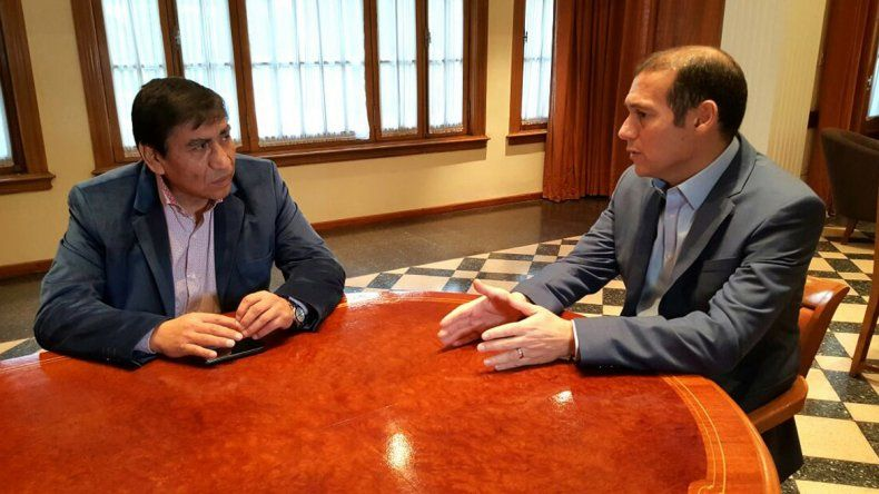 Omar Gutiérrez con el intendente José Rioseco