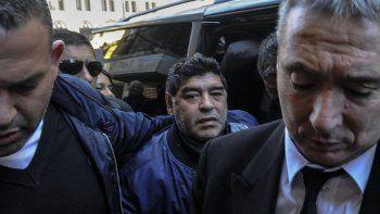 Diego salió molesto tras la reunión con el representante de Fifa.