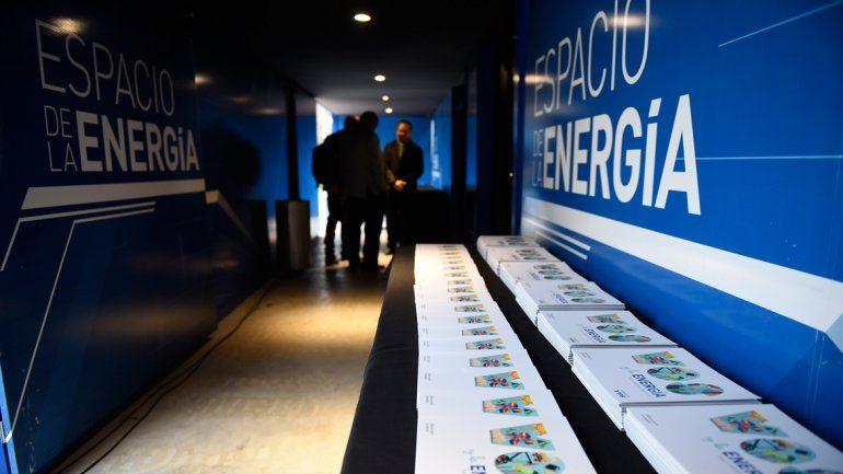 El espacio de YPF enseña sobre la actividad petrolera.