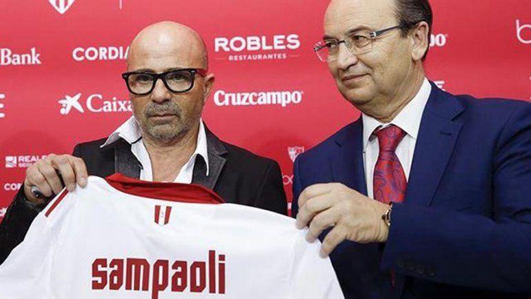 A Sampaoli lo tienta más dirigir la selección que al Sevilla.
