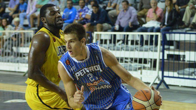 Nico Brussino fue contratado por Dallas Mavericks para jugar en la NBA.
