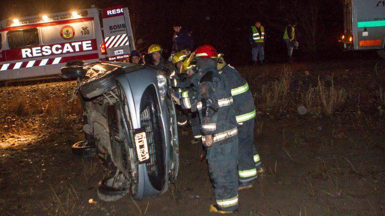 Ruta 40: conductor borracho se despistó y volcó