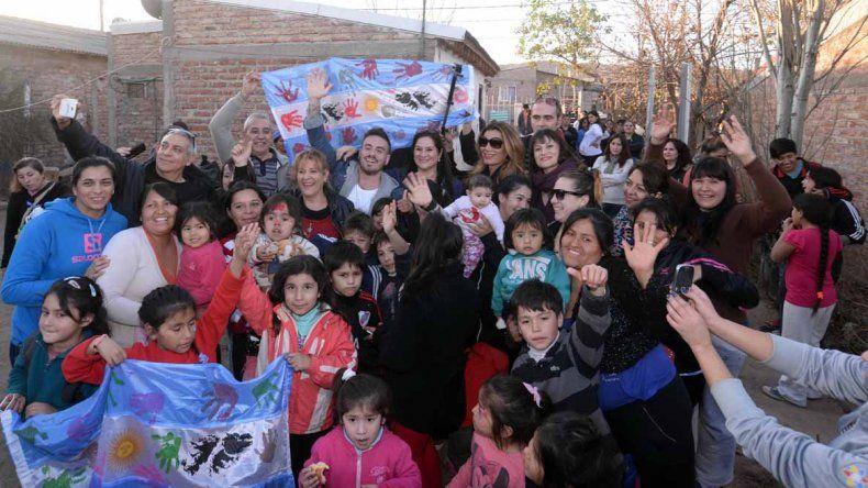 Fede Bal visitó La Casita de Don Raúl de Almafuerte, a la que representa en el Bailando