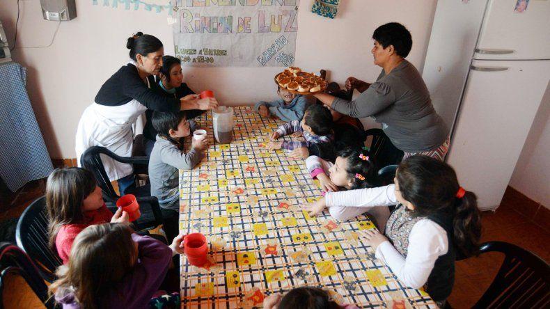 El merendero Rincón de Luz asiste a decenas de chicos de los sectores más humildes.