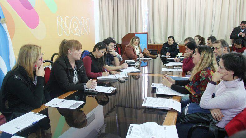 La reunión se llevó a cabo en la Municipalidad de Neuquén.