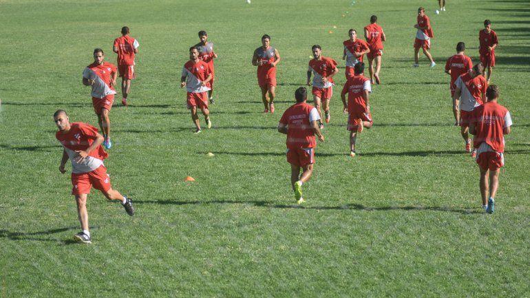 El plantel de Independiente se verá las caras otra vez tras el largo receso esta tarde