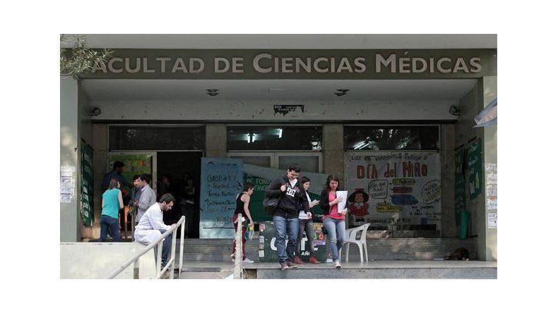 Los alumnos son de primer año de la Facultad de Medicina de la UNLP.