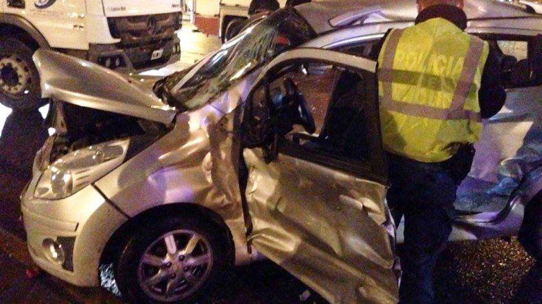 Dos mujeres heridas tras chocar contra un camión