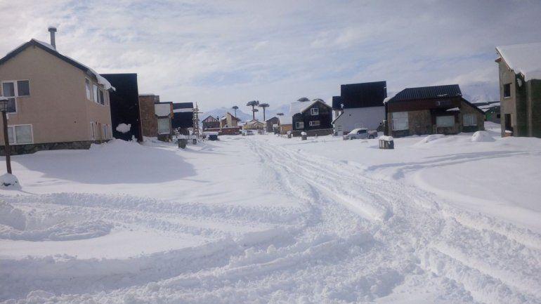 Las bajas temperaturas congelaron la villa por completo. Ayer intentaban normalizar la situación para brindar una mejor atención a los turistas.