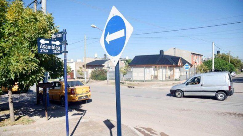 En el barrio afirman que la mano única de Moritán perjudicó a comerciantes y a los vecinos para tomar el colectivo.