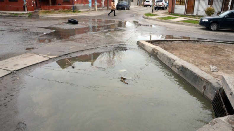El EPAS reparó la obstrucción de las cloacas del barrio La Sirena