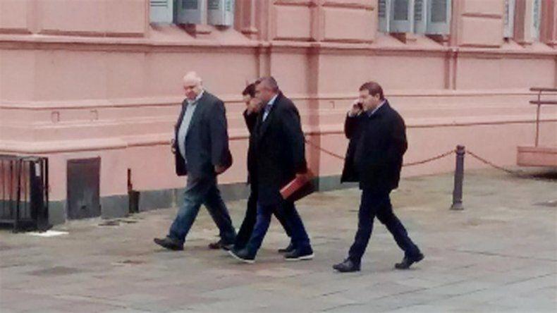 Dirigentes de la Superliga ingresando a la Casa Rosada.