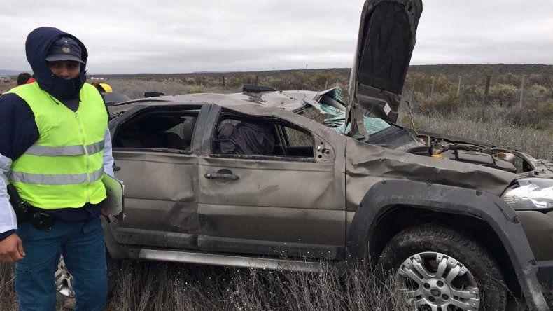 Un turista porteño murió en un vuelco en la Ruta 237 en cercanías de Piedra del Águila