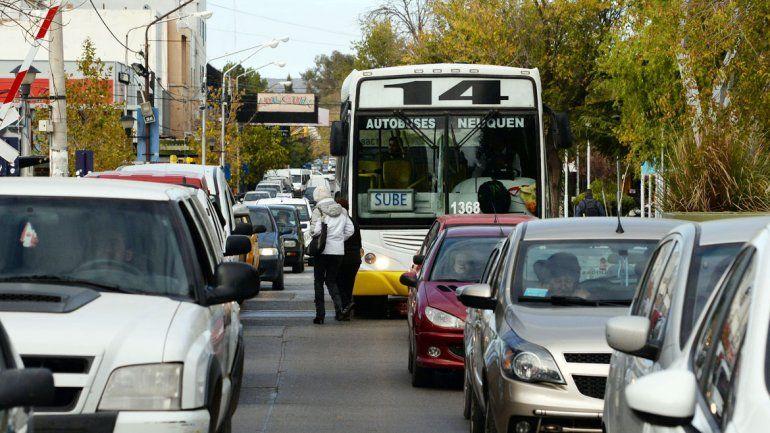 El Metrobús costará 125 millones de pesos. Es una forma de agilizar el tránsito entre el oeste y la zona centro y mejorar el traslado de miles de neuquinos.