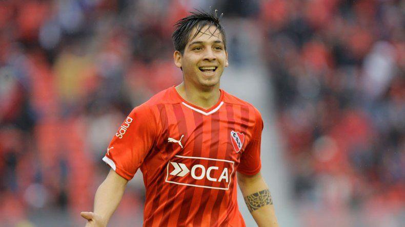 Benítez convirtió dos de los cuatro tantos para el Rojo.
