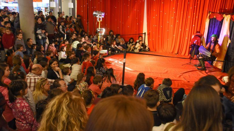 Para los más chicos prepararon espectáculos. Una multitud pasó durante el fin de semana.