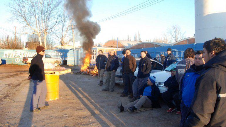 Los empleados de la planta de gaseosa están en conflicto.