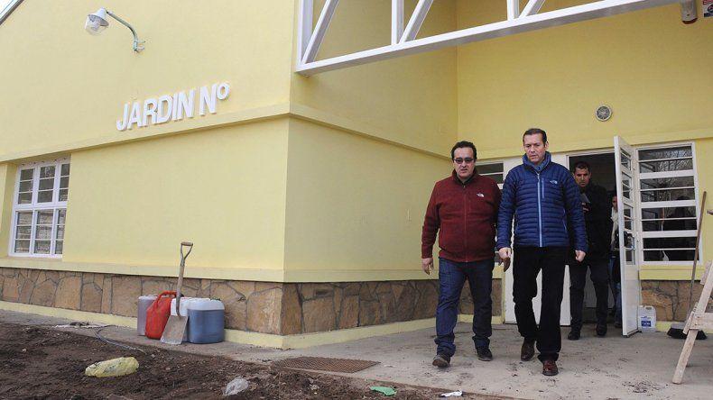 Gutiérrez y Díaz durante la visita al Jardín Nº 52.