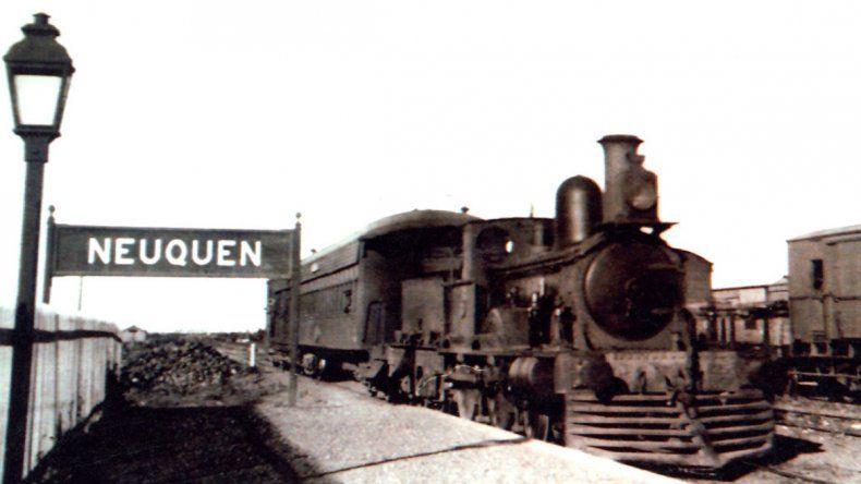 Los primeros pasos de la ciudad se dieron alrededor del tren.