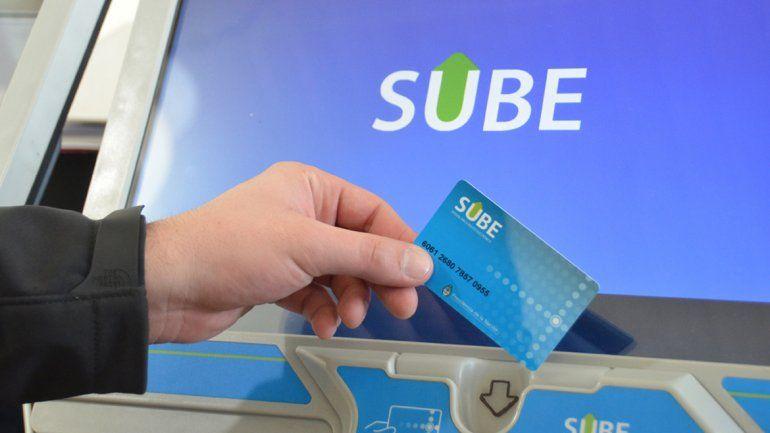 La utilización de la tarjeta se incrementa en el transporte público local.