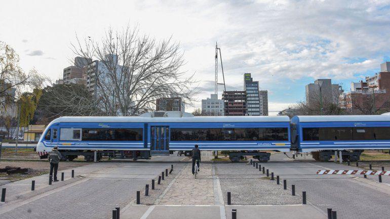 El tren cubre el trayecto Neuquén-Cipolletti. Si se extendiera