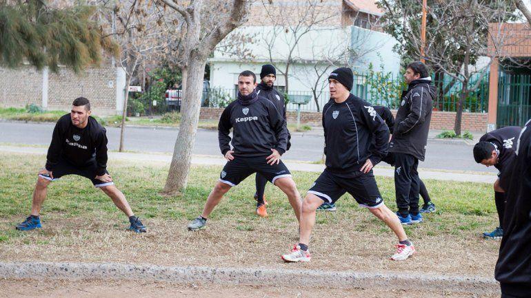 El Albinegro disputará dos amistosos con los bahienses.