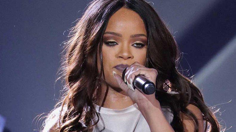 Rihanna no quiere que cacen Pokemons en sus shows