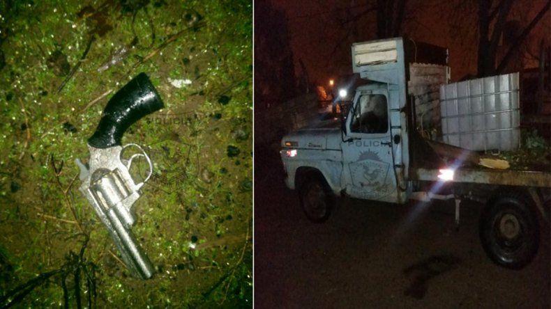 Robaron una vaca en Plottier, escaparon y chocaron contra dos patrulleros en Neuquén