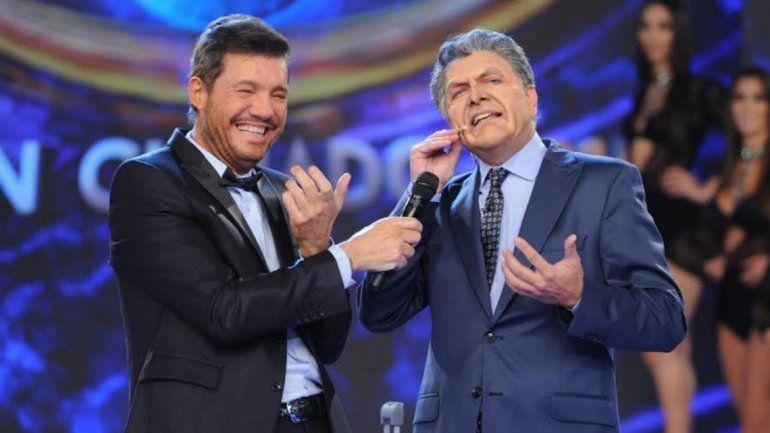 Tinelli y Villarreal interpretando a Macri. De la Rúa y Cavallo en la foto que posteó Tinelli con su descargo irónico.