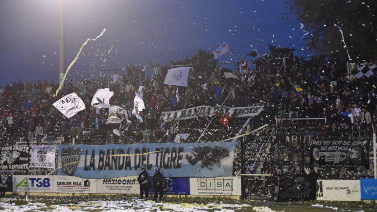 La hinchada del Albinegro se ilusiona con volver a los primeros planos del fútbol argentino esta temporada.