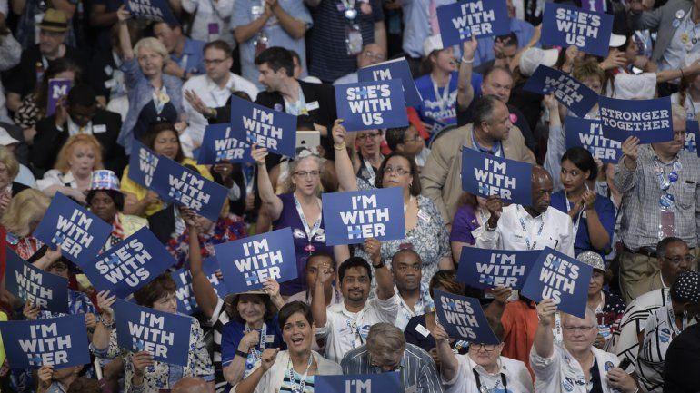 Hillary Clinton fue elegida oficialmente candidata demócrata