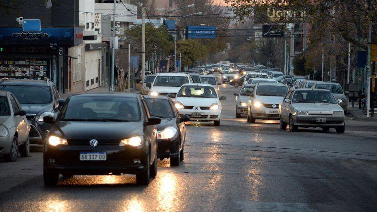 Miles de autos capitalinos están radicados en otras ciudades.
