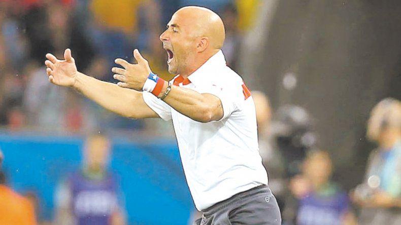 El ex seleccionador de Chile es la figurita difícil en la búsqueda de técnico para el Albiceleste.