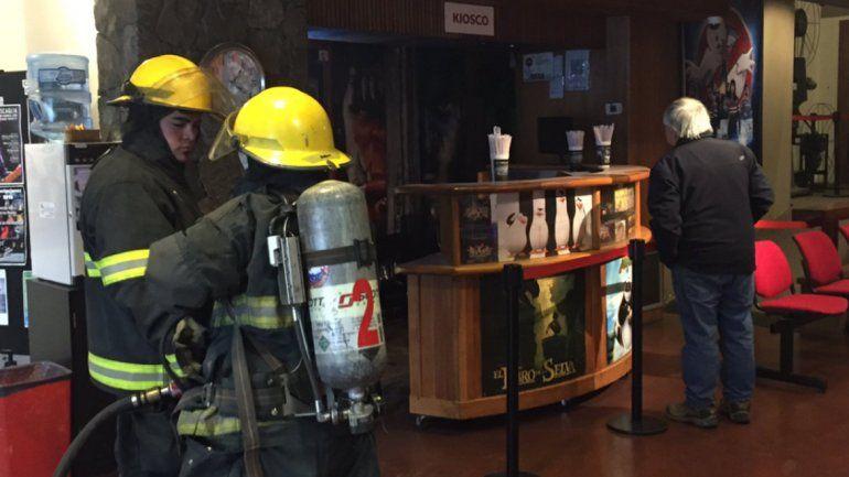 Explotó la pochoclera del cine y casi provoca un incendio