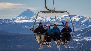 Postergaron la apertura de los centros de esquí por falta de nieve
