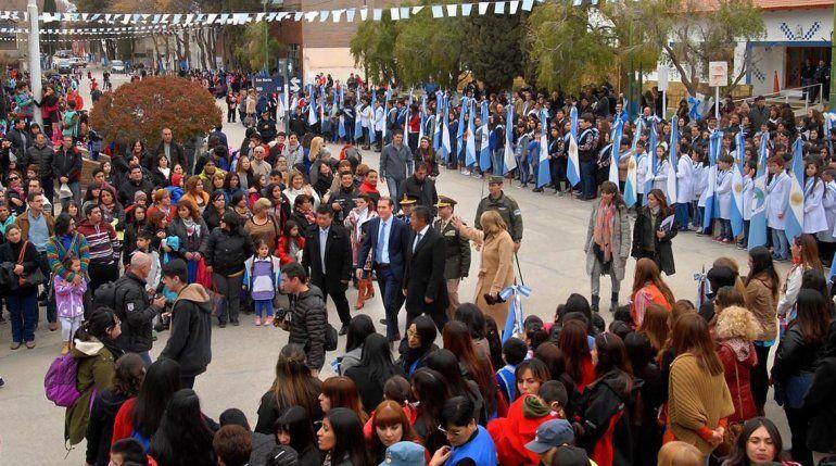 Gutiérrez participó del festejo por el 129° aniversario de Chos Malal