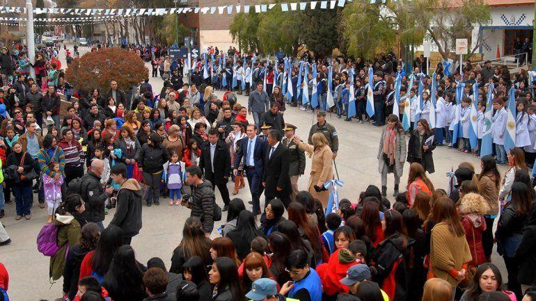 El centro de Chos Malal se convirtió en una verdadera fiesta ayer en la tarde.